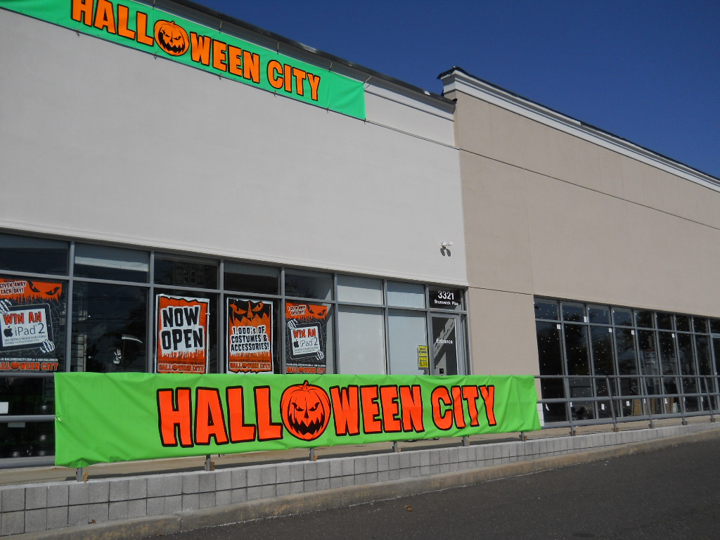halloween city sits in an abandoned strip mall on route 1 south in lawrence nj